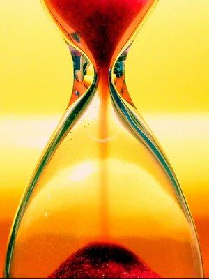20090517084636-reloj-de-arena-hourglass01b640.jpg